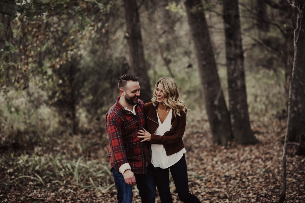 outdoorsy-fall-engagement-photos-St-Louis-12.jpg