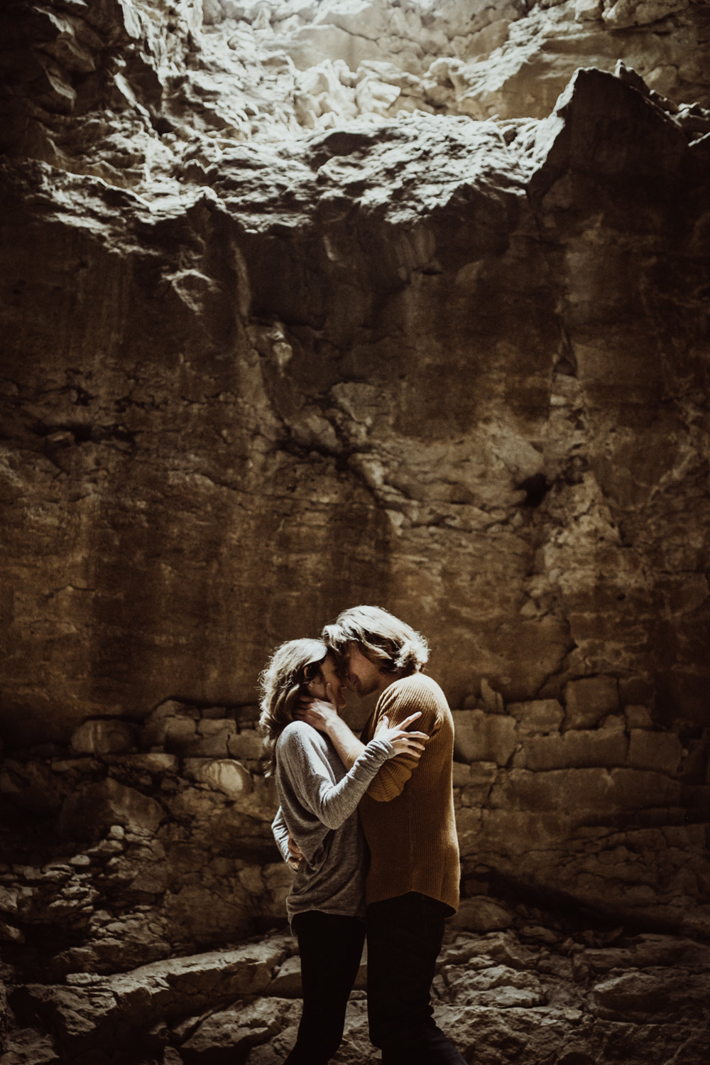 adventurous-engagement-photos-in-a-cave-24.jpg