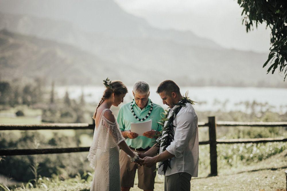 Kauai-elopement-photographer-29.jpg