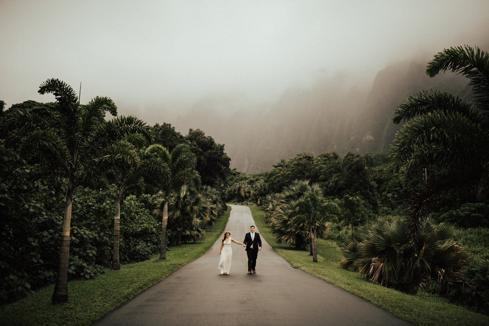adventurous-Hawaii-elopement-photographers-32.jpg