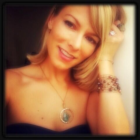 Stephanie Drapeau wearing Faith Marcus designs necklace on Twitter