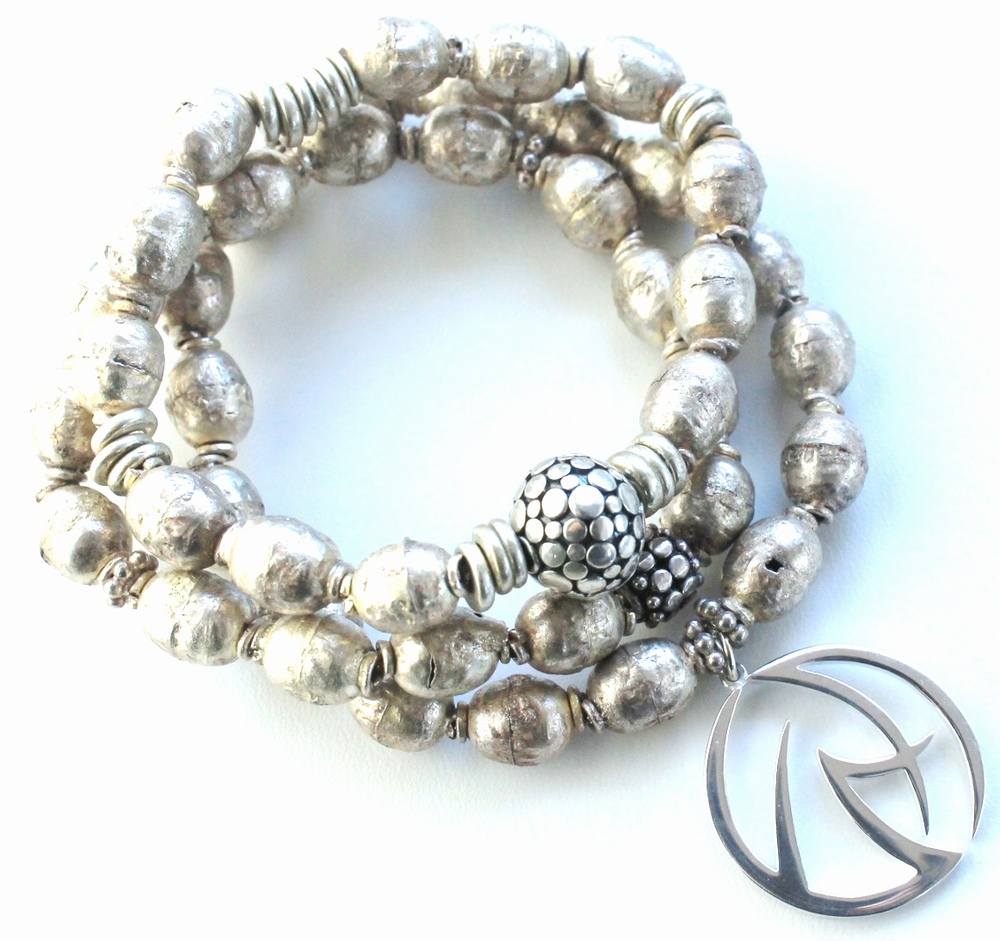 Maifest bracelet stack silver Ethiopian beads