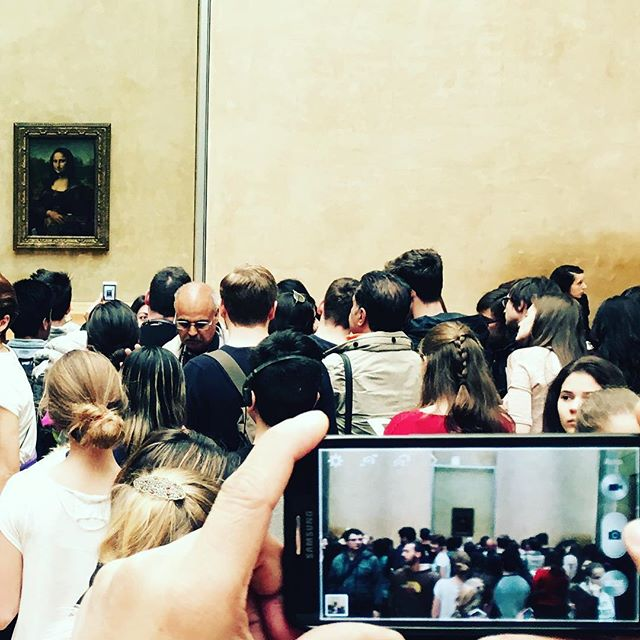 Everybody's all up in this bitch's biz. #mobscene #missyoumeanit #howwedo #whatwouldwineshopdo #monalisa
