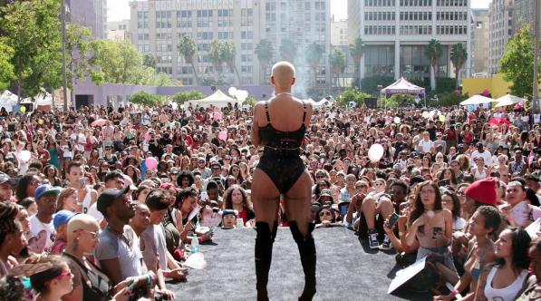 SlutWalk02.png