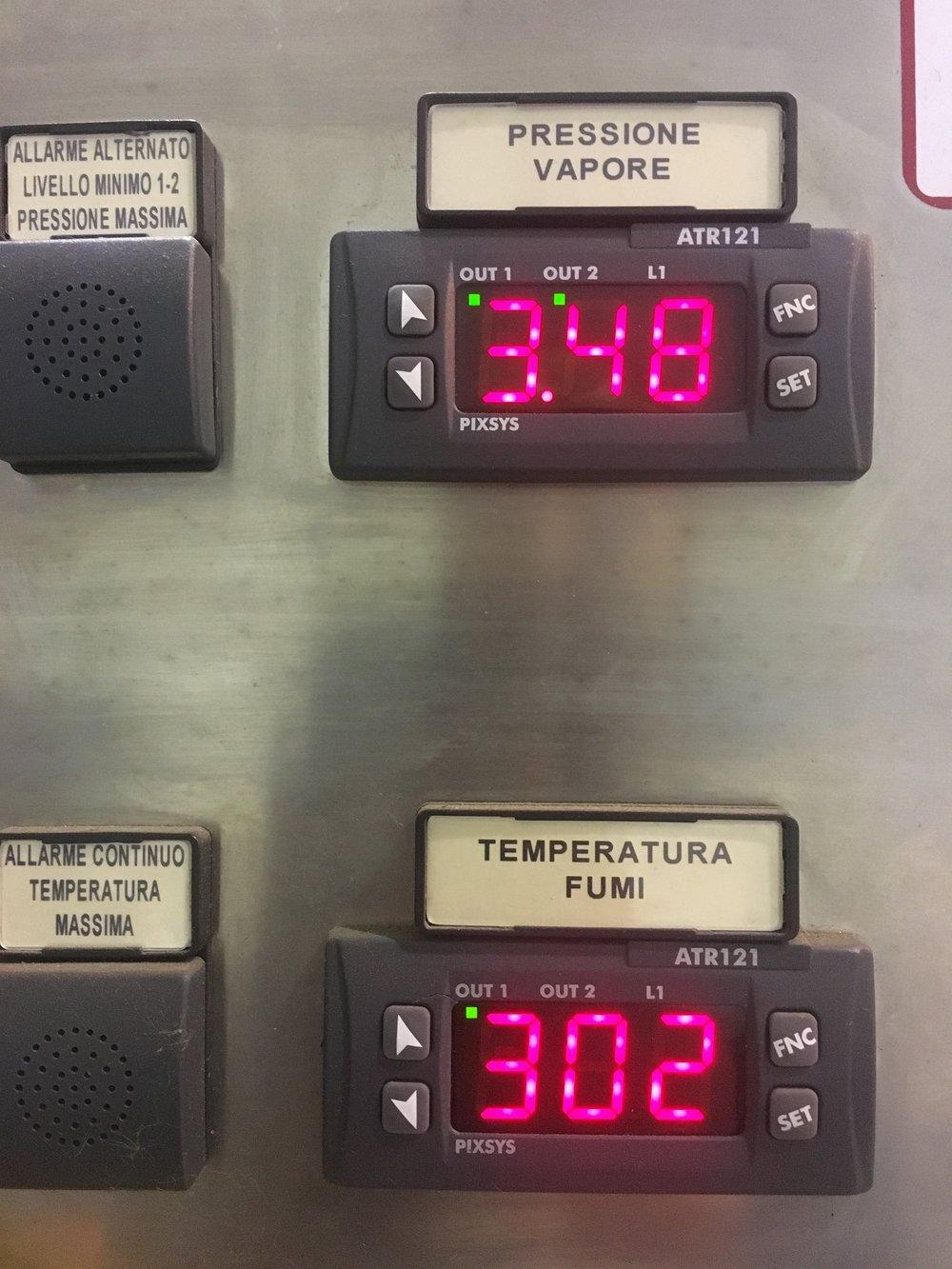 Pressione vapore 3,48bar e Temperatura uscita fumi 302°C