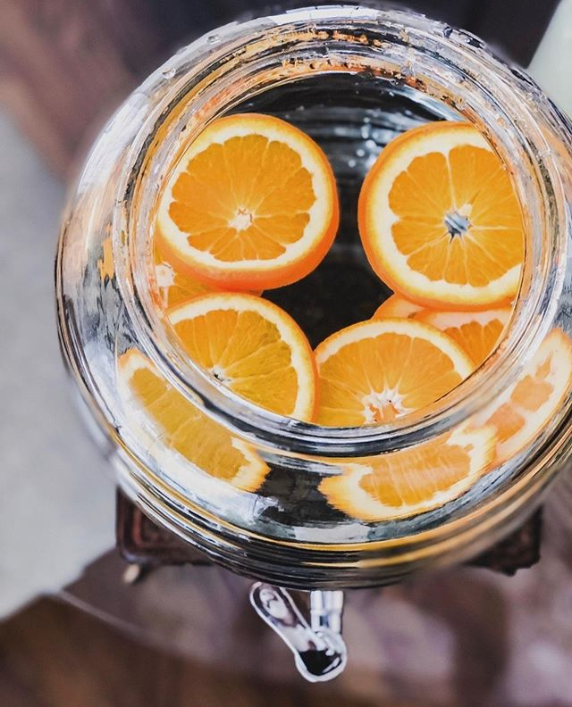 Heated debate: does fruit belong in drinks? You tell us! We personally love a good fruity signature cocktail for any event. 🍸  #cheers #fashionedevents #celebrateinstyle #signaturecocktail #birthdayparty #birthday #eventplanner #lawrence #kansas #kansascity #universityofkansas #inhomeentertaining