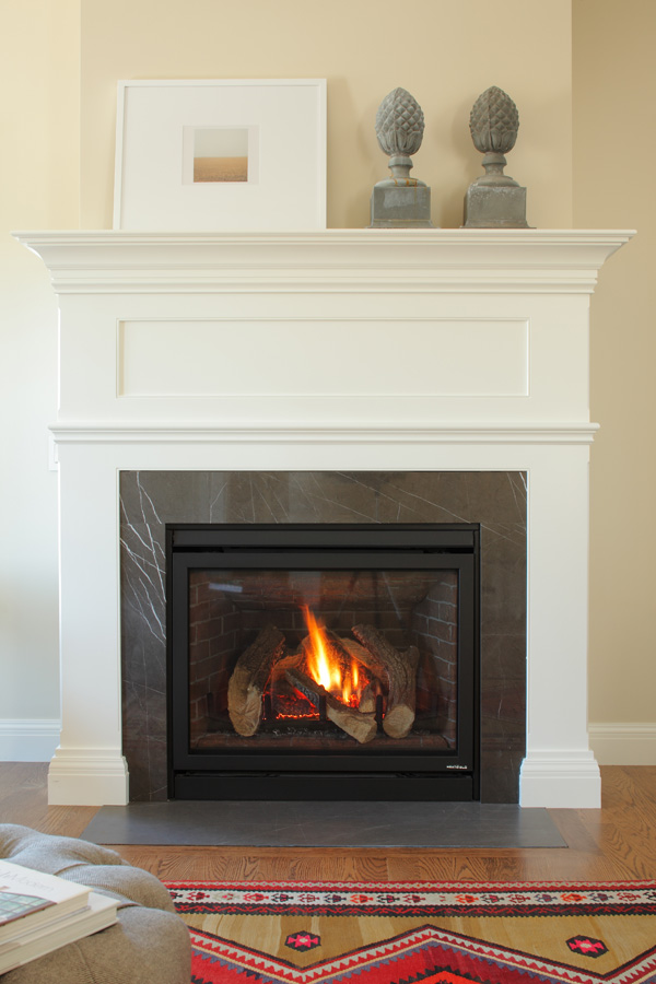 05_living_fireplace_1372.jpg