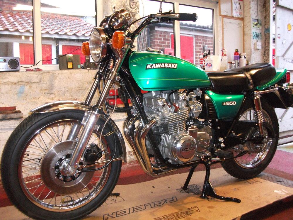 Complete restoration of a 1978 Kawasaki Z650 .