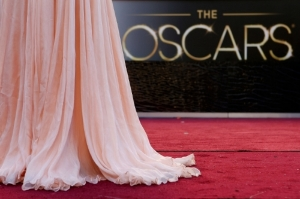 22-fug-girls-oscar-red-carpet-live-blog.jpg