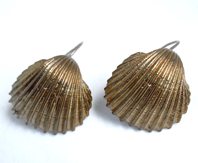Cockle Shell Earrings- Bronze E/OC3B