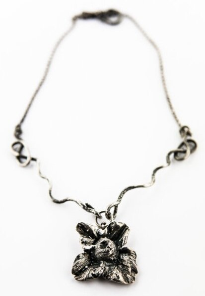 PERSIMMON FLOWER NECKLACE- STELRING