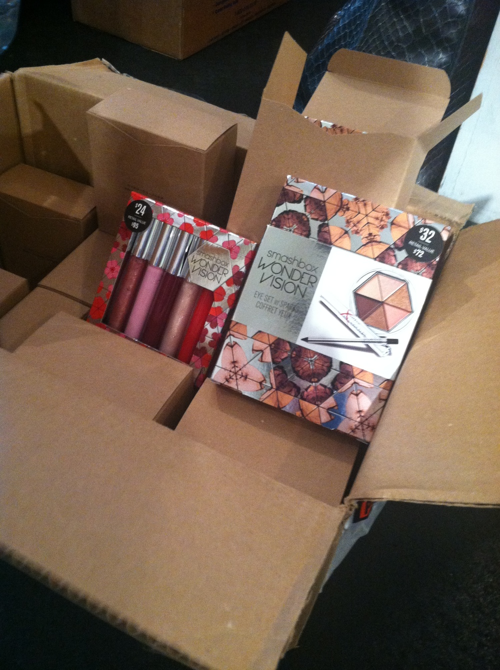 Buzz Salon, Iowa City, Iowa and their Smashbox Holiday Gift Boxes. Quite a deal.