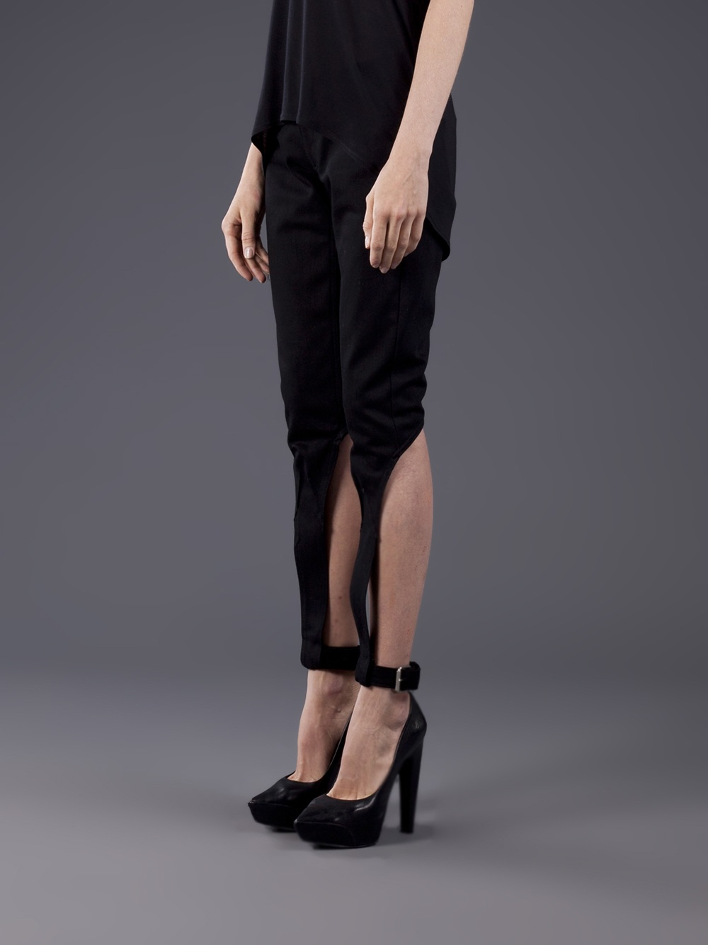 Dominic Louis Cutout Denim Jean - Odd. - Farfetch.com_files.jpg