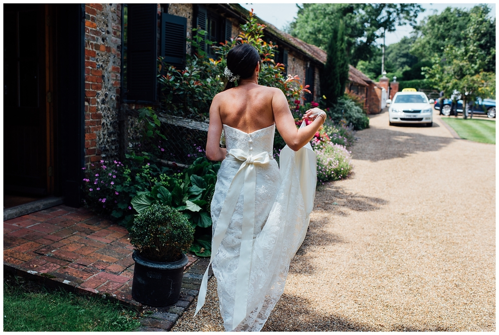 Nikki_Cooper_Photography_Lucy&Scott_Wedding_Photos_The_Crab_Tree_Pub_Horsham_1030.jpg