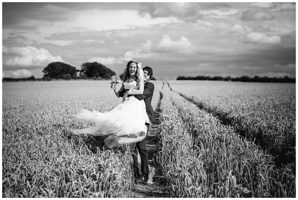 Nikki_Cooper_Photography_vintage_handmade_wedding_0050.jpg