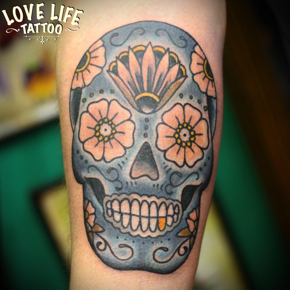 татуировка мексиканского черепа