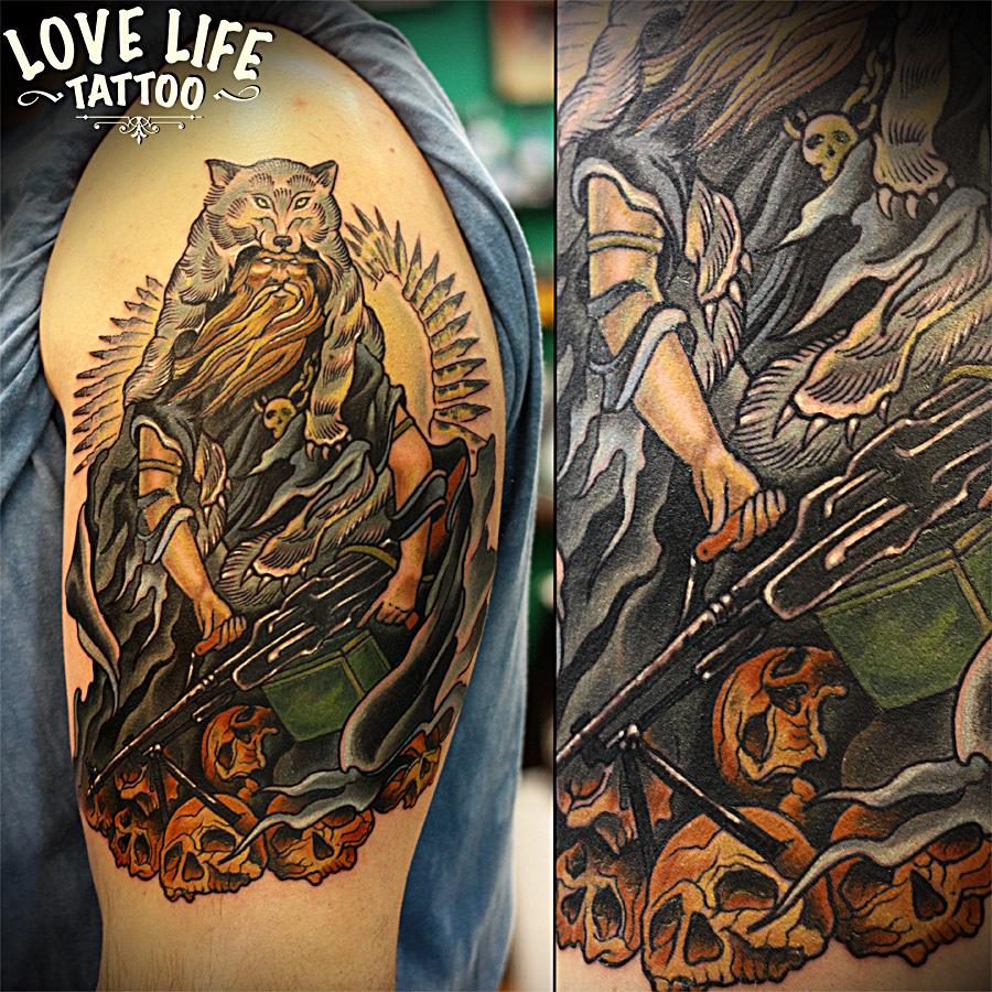татуировка печенега с пулеметом