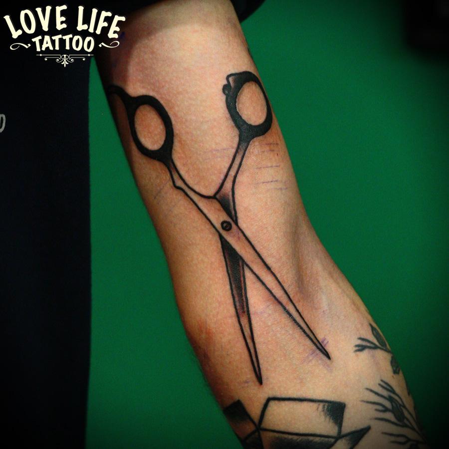 татуировка ножниц