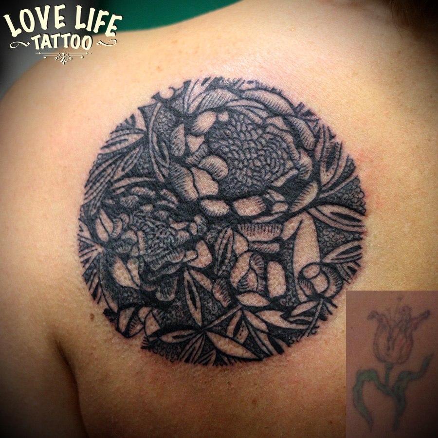 татуировка цветов (перекрытие)