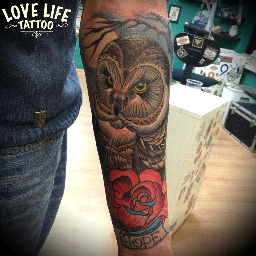 татуировка совы с розой