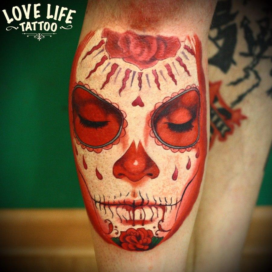 татуировка лица, в процессе