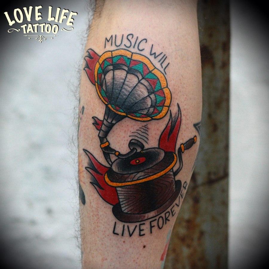 татуировка граммофона