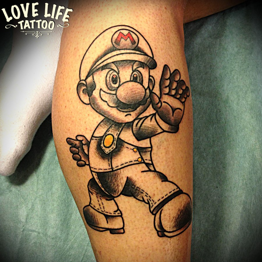 татуировка Марио