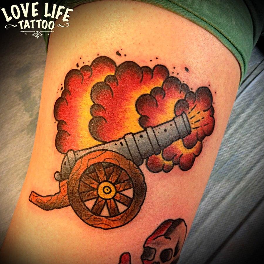 татуировка пушки