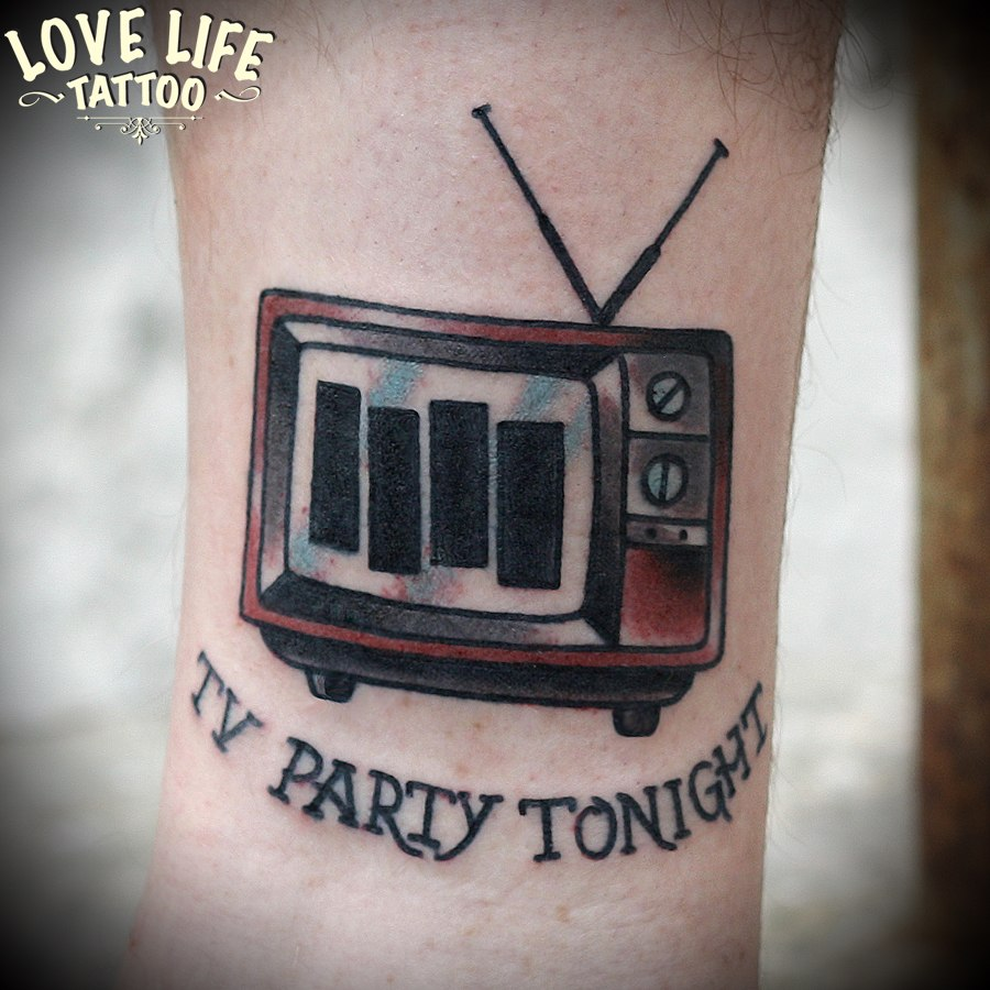 татуировка телевизор black flag
