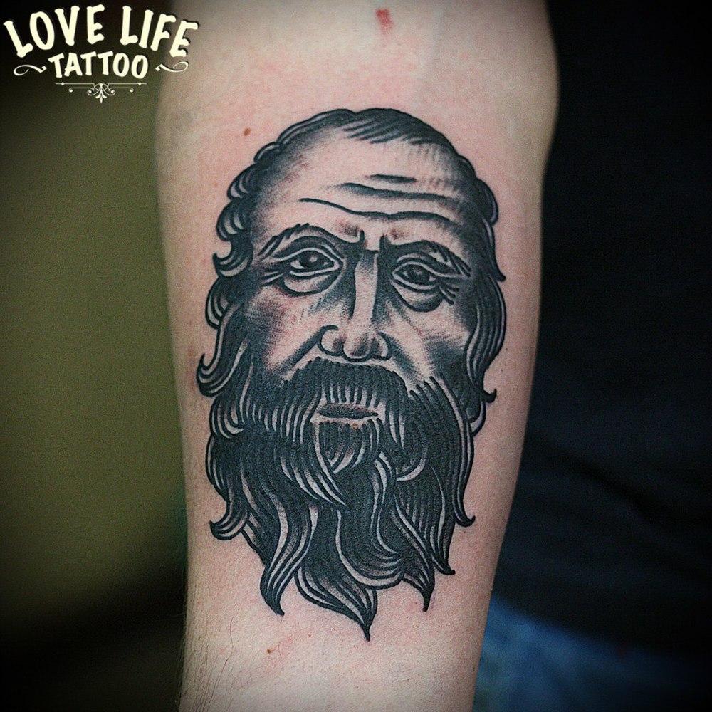 татуировка мужик с бородой