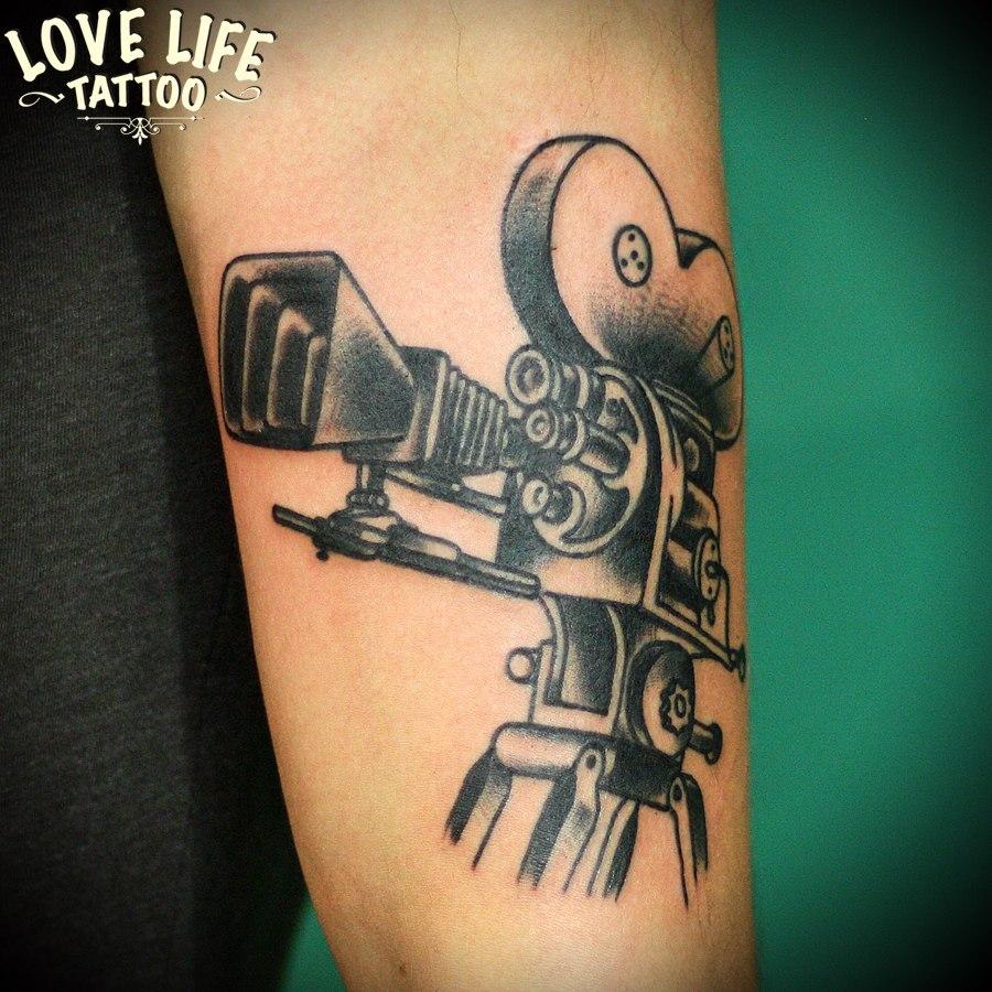 татуировка кинокамера