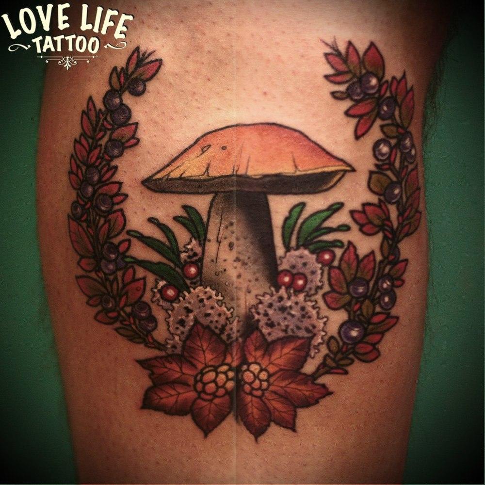 татуировка гриба