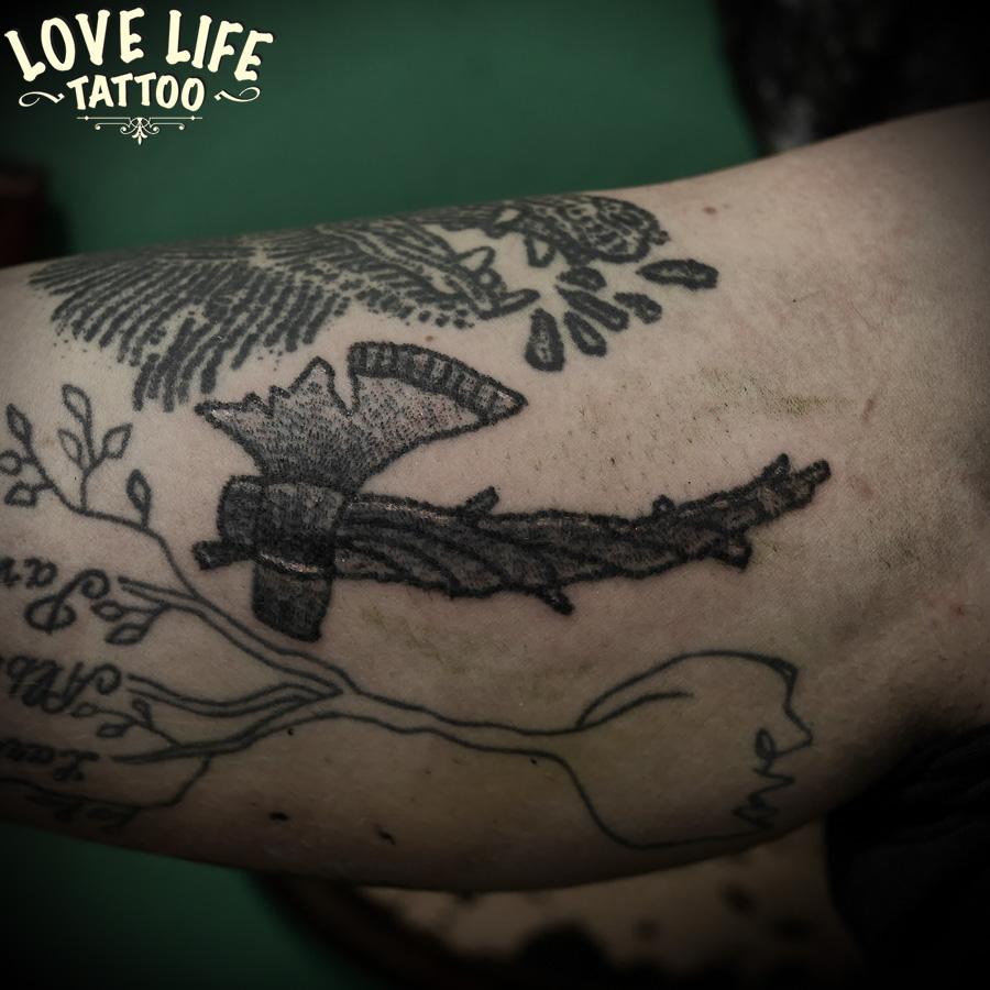 татуировка топора