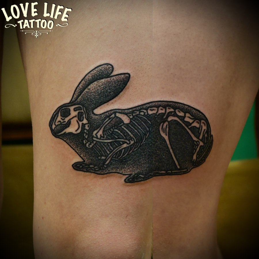 татуировка скелета зайца