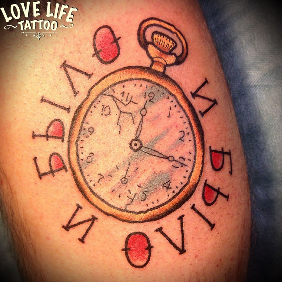 татуировка часов