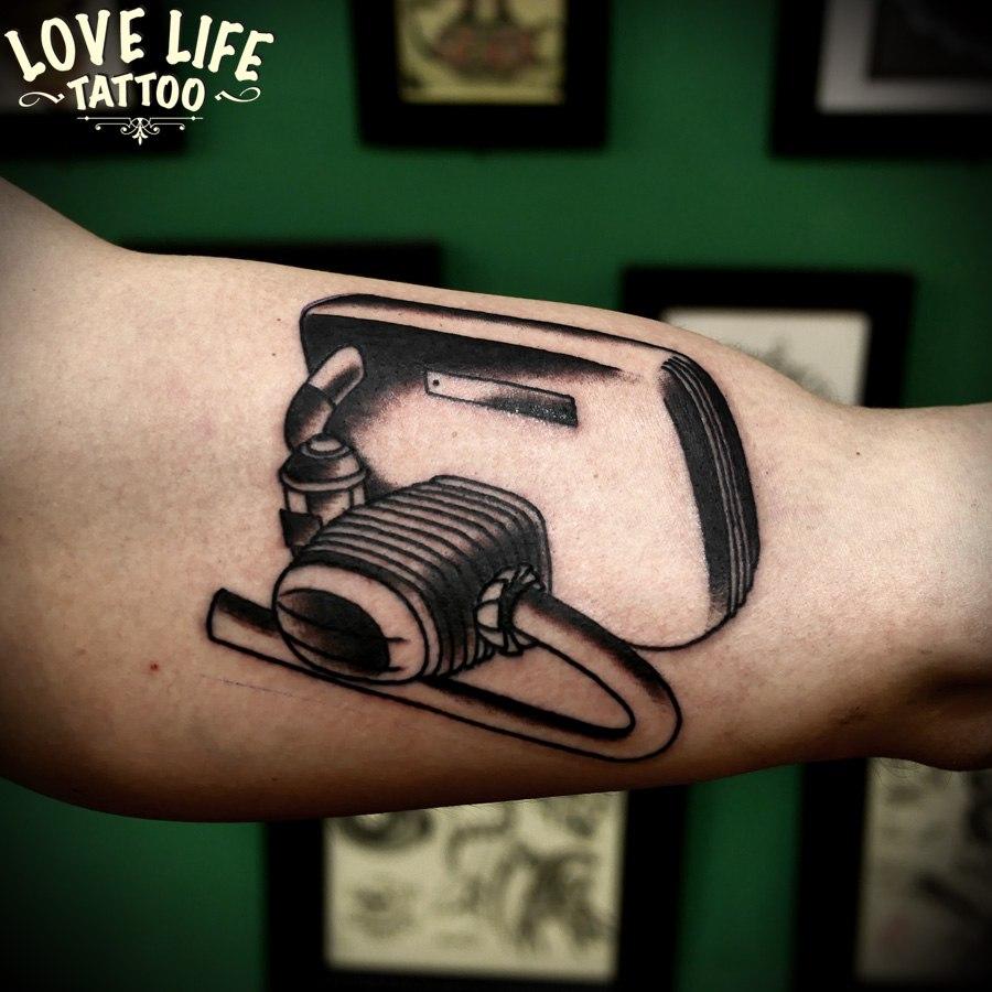 татуировка двигателя