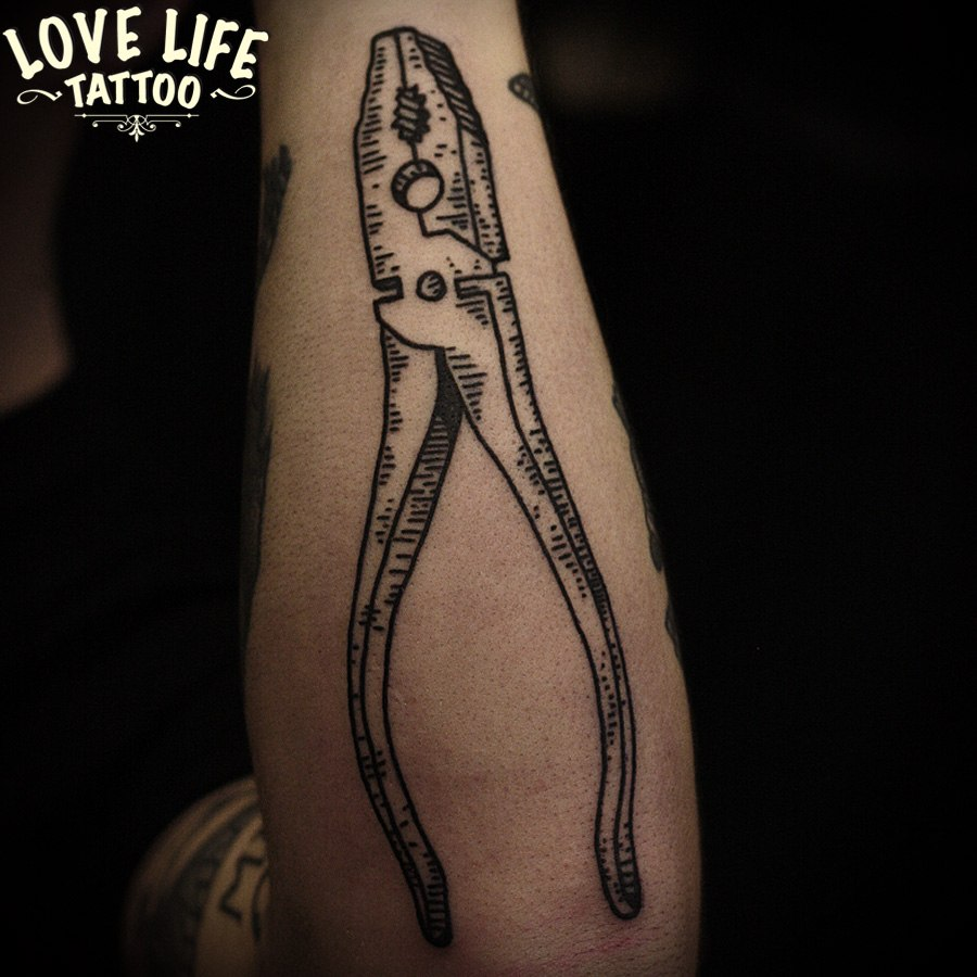 татуировка пассатижей