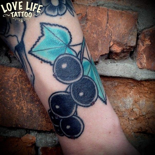 татуировка смородины