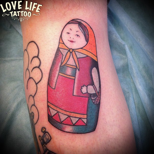 татуировка матрешки