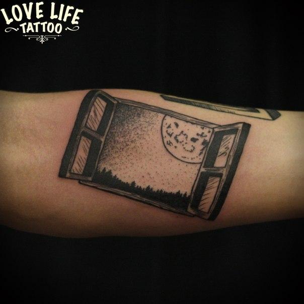 татуировка окна