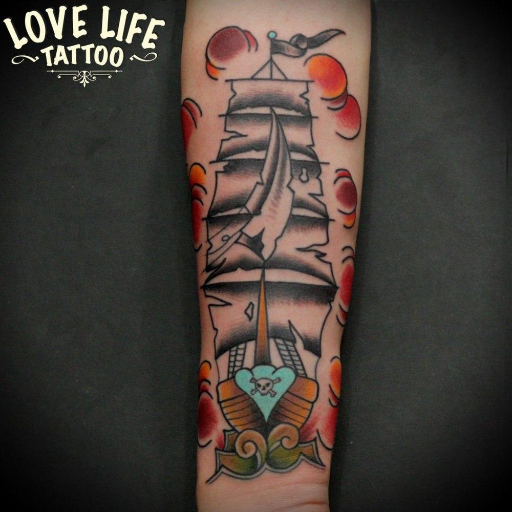 татуировка парусника