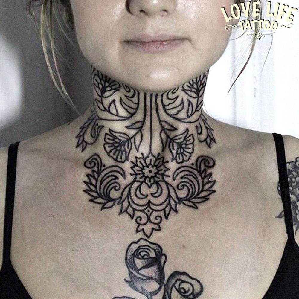 татуировка узора на шее
