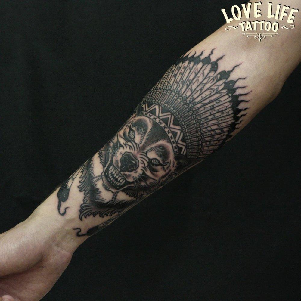 татуировка волка-индейца