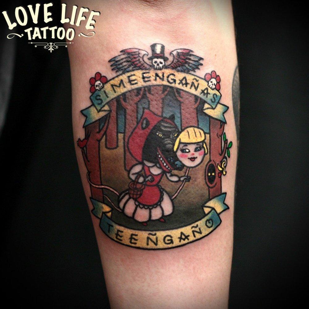 татуировка красной шапочки