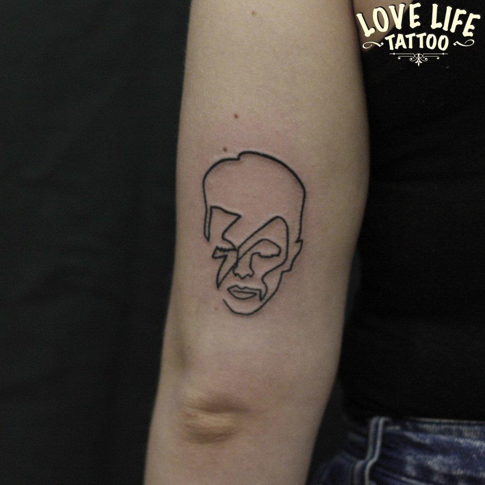 татуировка Девида Боуи