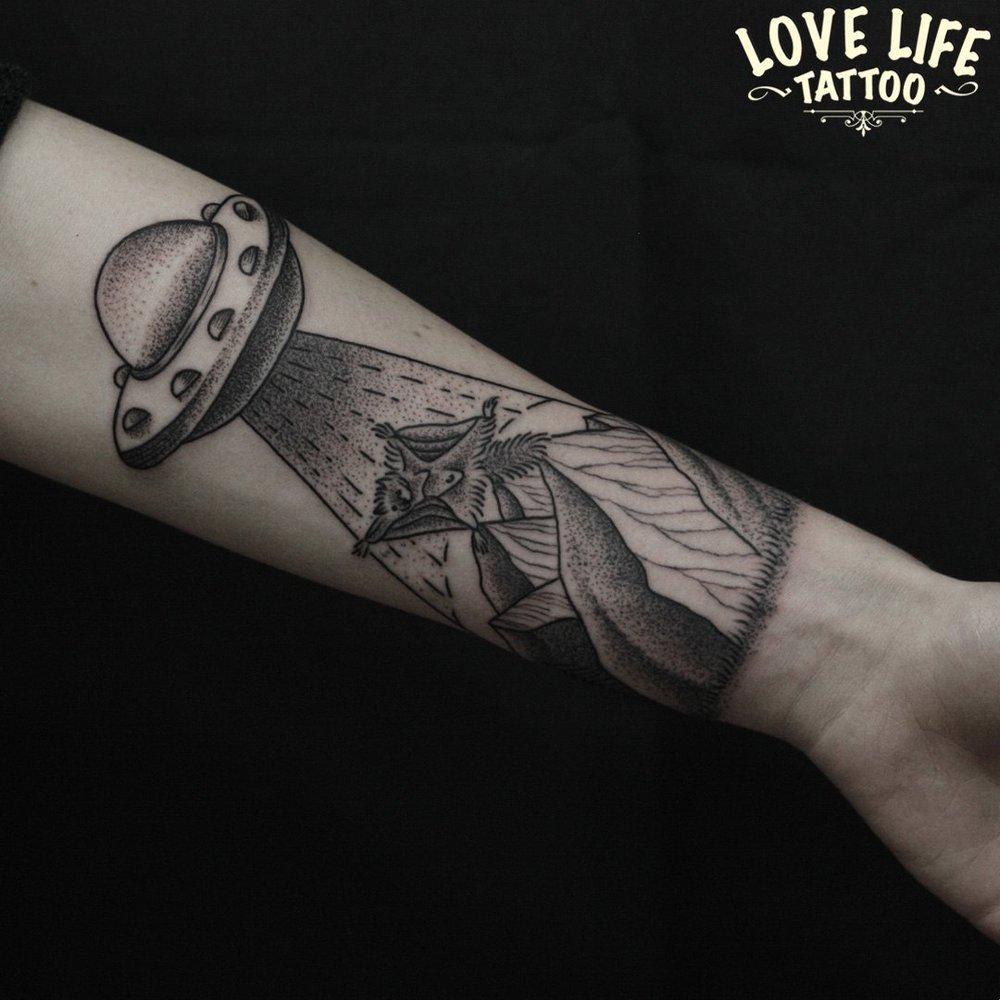 татуировка НЛО