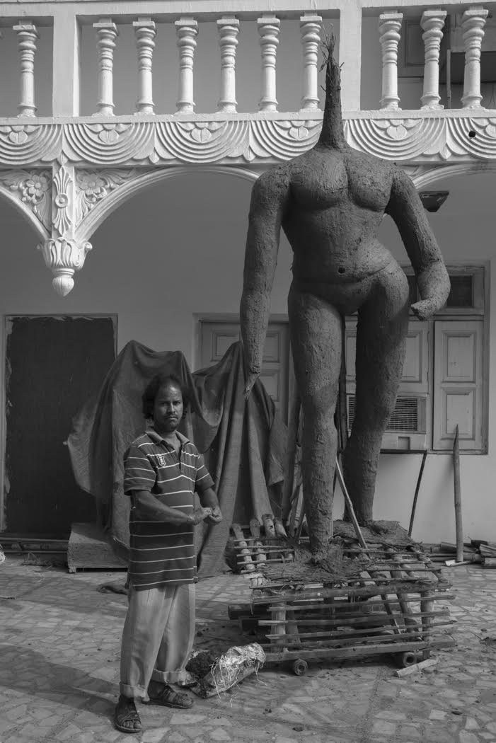 and I sometimes went beyond the Colony's walls... to Chhatarpur temple complex where I met the statue maker