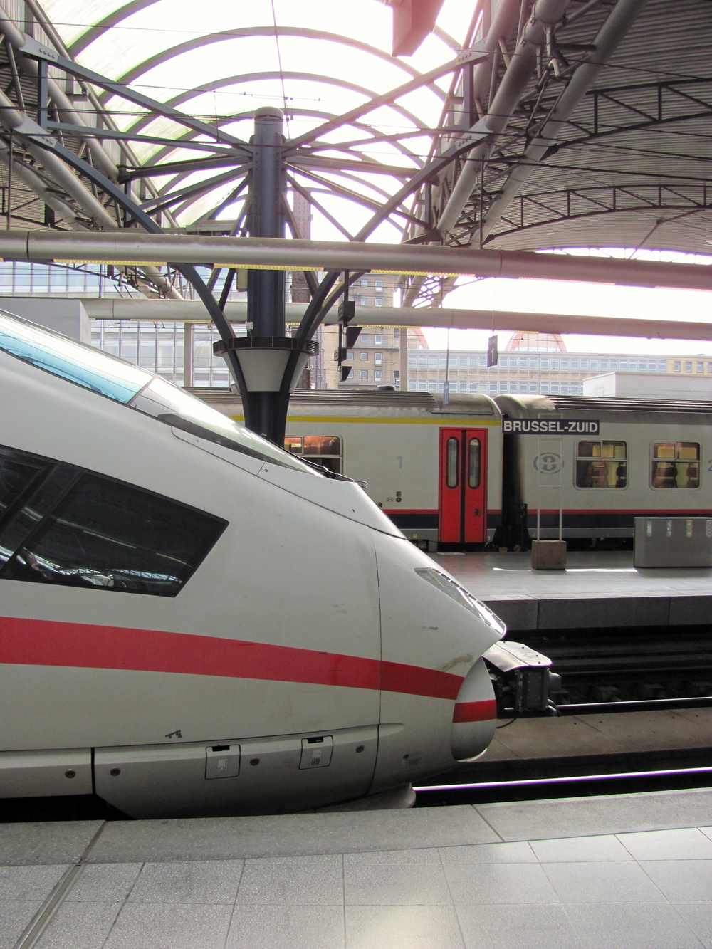 Gore Du Midi Zuidstation, Brussels, Belgium, VHS 2010