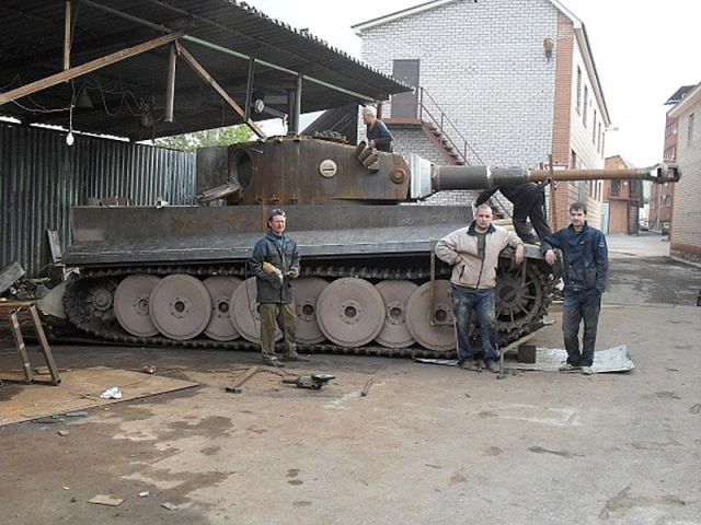 handcrafted_tiger_i_tank_replica_640_42.jpg