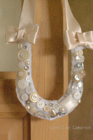 Button Horseshoe